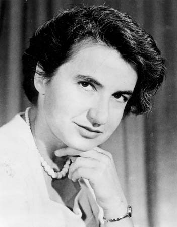 rosalind franklin smiling with hand under chin